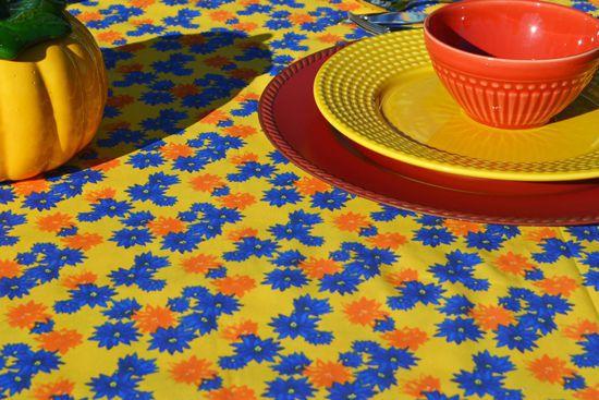 Toalha de Mesa Retangular 4 Lugares Amarela Floral Divina