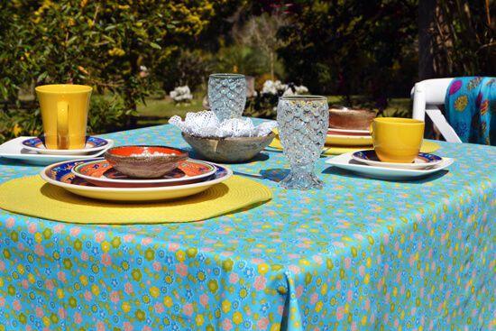 Toalha de Mesa Retangular 4 Lugares Azul com Flores