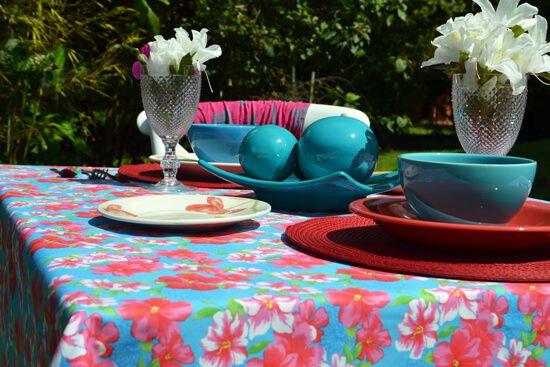 Toalha de Mesa Retangular 4 Lugares Azul com Flores Coloridas