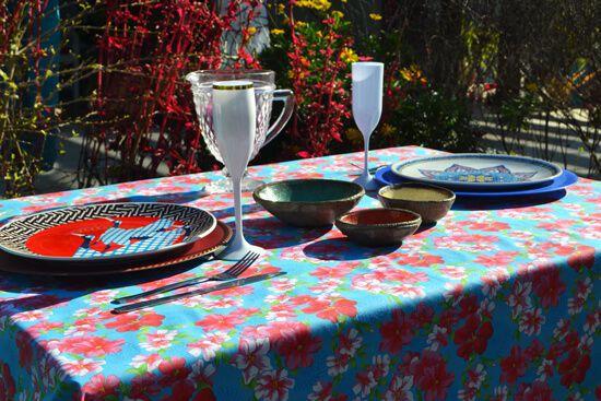 Toalha de Mesa Retangular 6 Lugares Azul com Flores Coloridas
