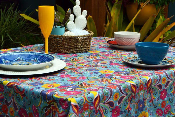 Toalha de Mesa Retangular 6 Lugares Azul Flores e Festa