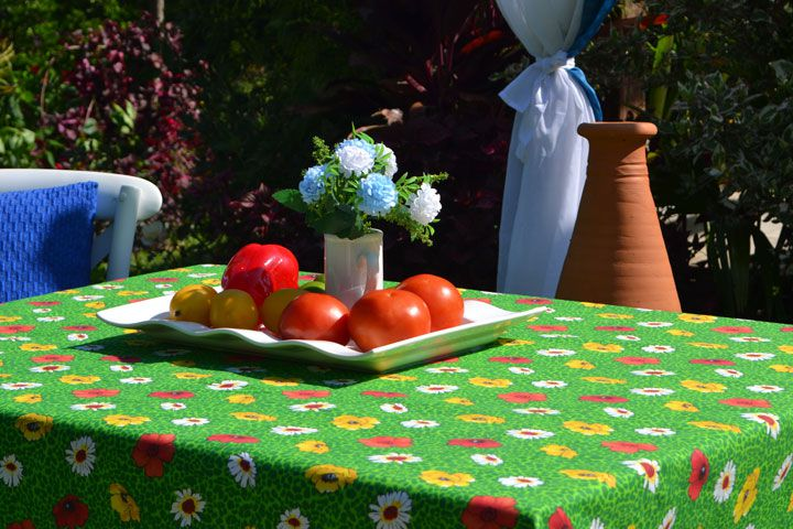 Toalha de Mesa Retangular 6 Lugares Verde Floral Papoulas