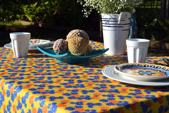 Toalha de Mesa Retangular 8 Lugares Amarela Floral Divina