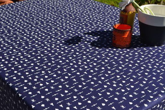 Toalha de Mesa Retangular 8 Lugares Azul Estampada Máquinas Voadoras