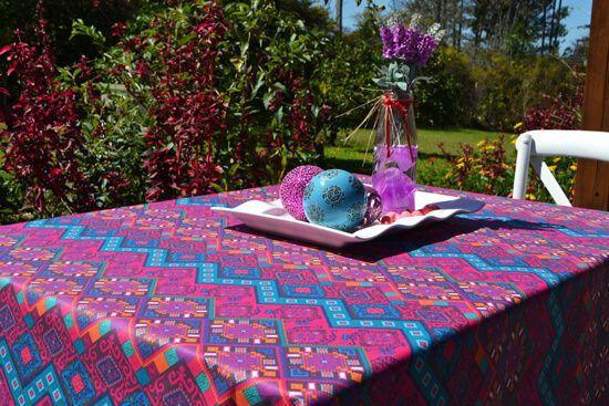 Toalha de Mesa Retangular 8 Lugares Rosa Tribalista