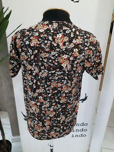 Camiseta Floral Masculina Viscose com Elastano Flores de Outono