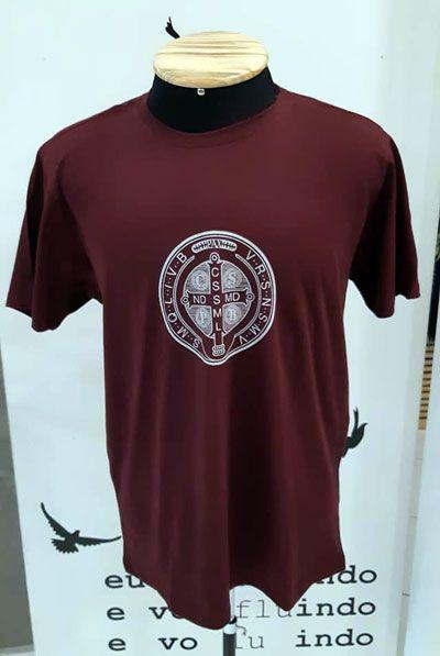 Camiseta Medalha de São Bento - Vinho