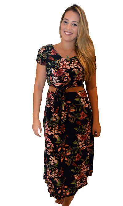 Vestido Floral Primavera com Decote e Amarração na Cintura