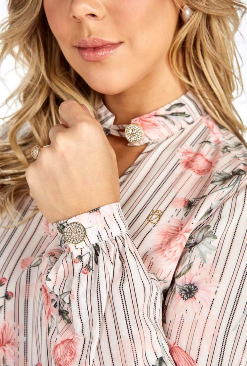 Camisa Floral Com Detalhe Na Gola - Via Tolentino