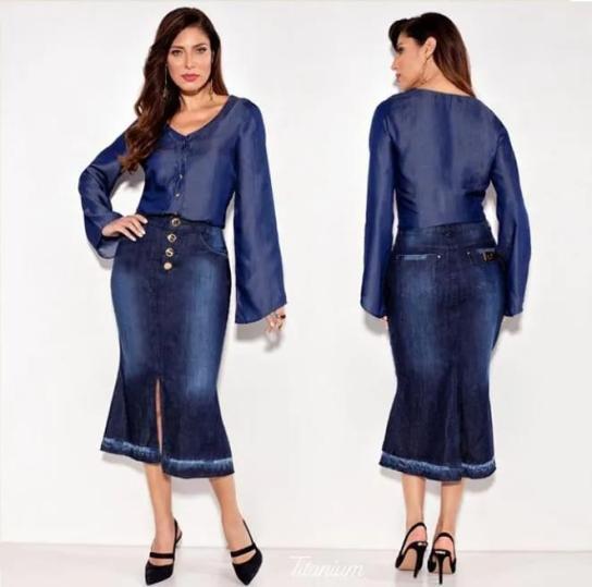 Saia titanium evasê jeans 70 cm.