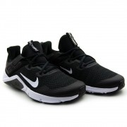 TENIS NIKE LEGEND ESSENTIAL - CD0443