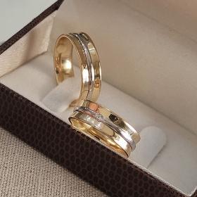 Alianças de Casamento de Ouro 6.0mm com Filete de Ouro Branco e Zircônia Aprilia - AL619