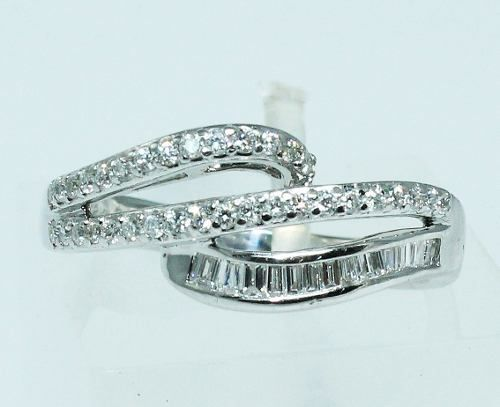 Anel De Ouro Branco 18k750 Diamantes 1599