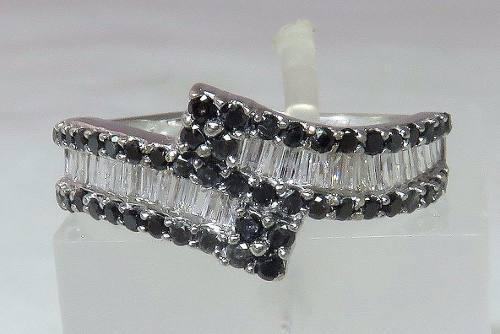 Anel De Ouro Branco 18k750 Diamantes 725