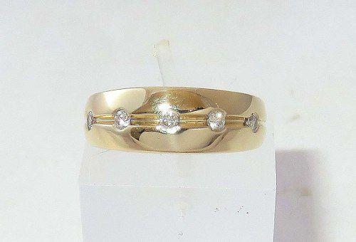 Anel De Ouro 18k750 Diamantes 550