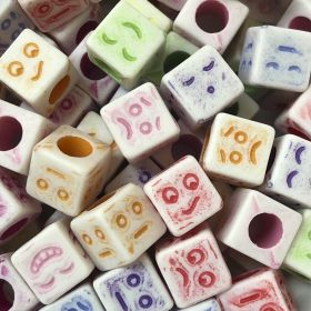 Miçanga Colorida Infantil - Rostinhos - Cubo 25g