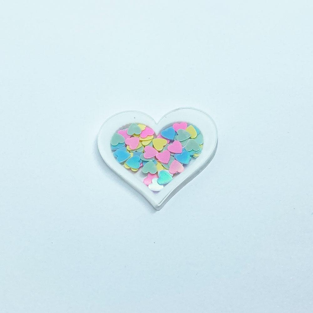Aplique Vazado de Acrílico Coração transparente Borda branca (unidade)