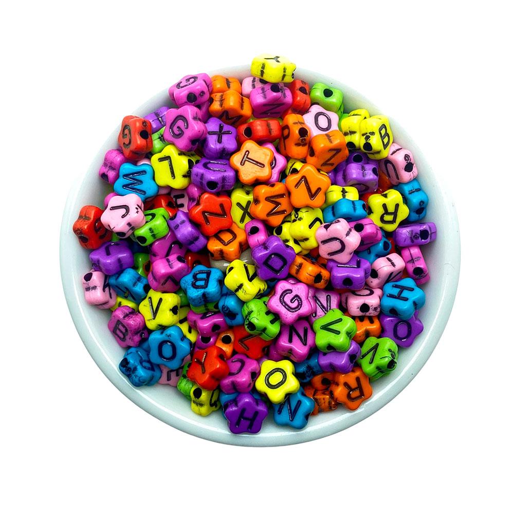 Miçanga Colorida Letras Alfabeto formato Flor 4*8mm 25 Gramas