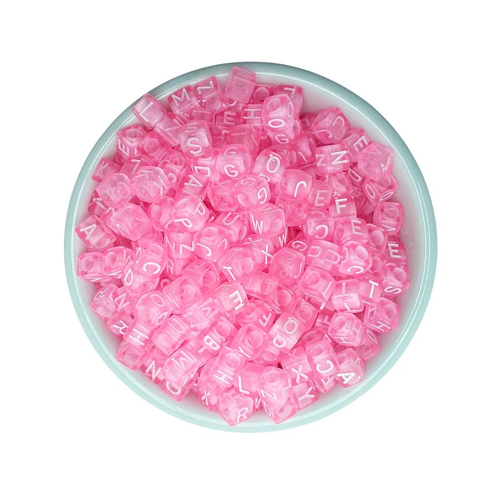 Miçanga Infantil Letras 6mm Quadrado Translucido Rosa - 25 Gramas