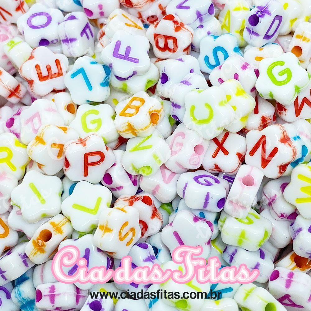 Miçanga Infantil Letras Alfabeto Fundo Branco formato Flor 25g (Atente-se a Observação)