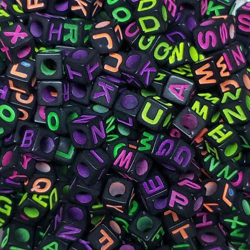 Miçanga Infantil Letras Alfabeto Fundo Preto 25g (Atente-se a Observação)