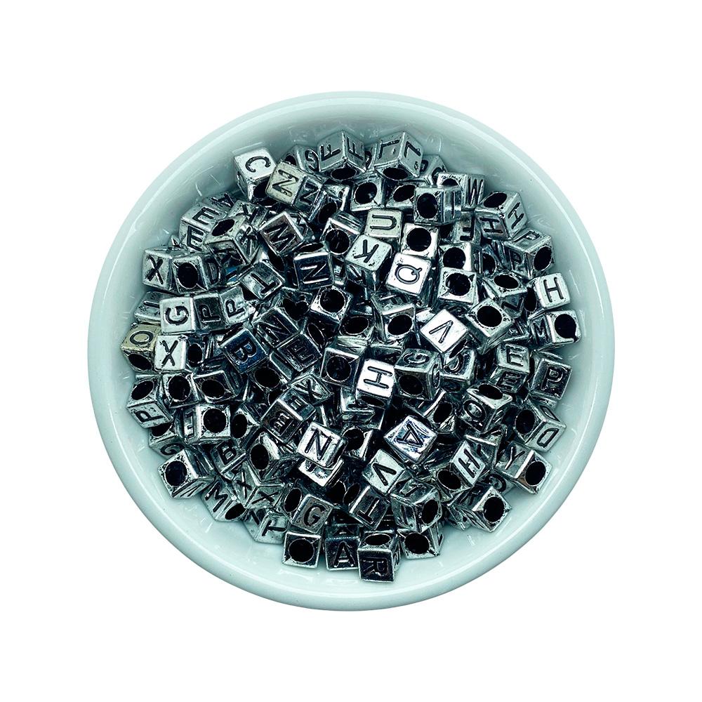 Miçanga Letras Alfabeto Fundo Prata 6mm - 25 Gramas