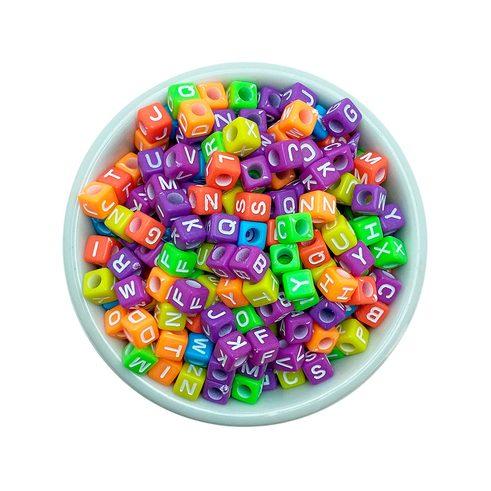 Miçanga Quadrada Letras Alfabeto Colorido 6mm com 25 Gramas