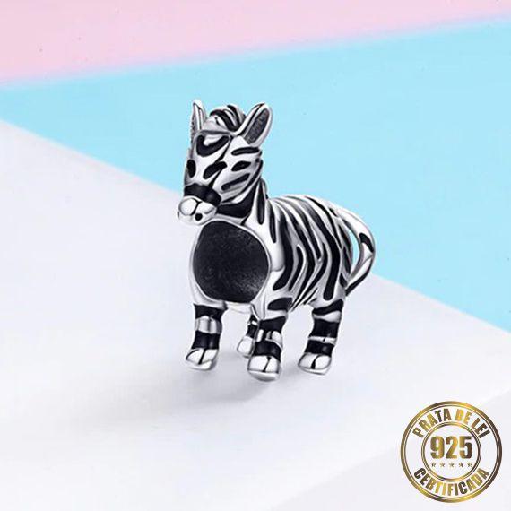 Berloque Cavalo Zebrado de Prata