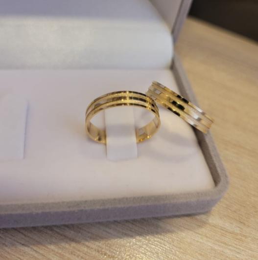 Aliança de Casamento em Ouro 18 k Vanda
