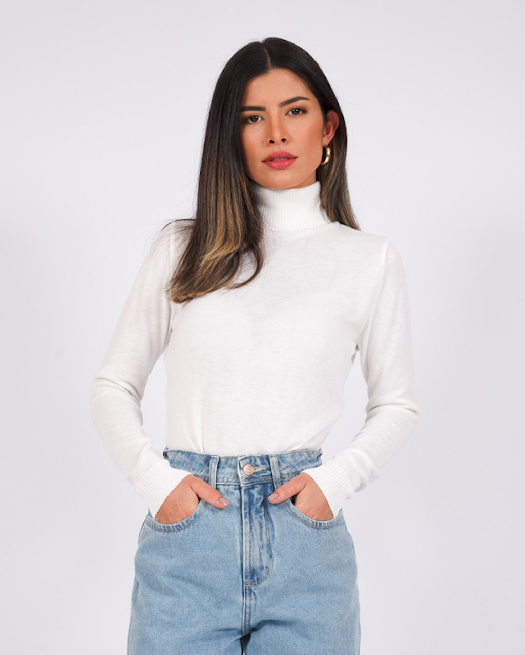 Blusa Tricot Gola Alta Branca