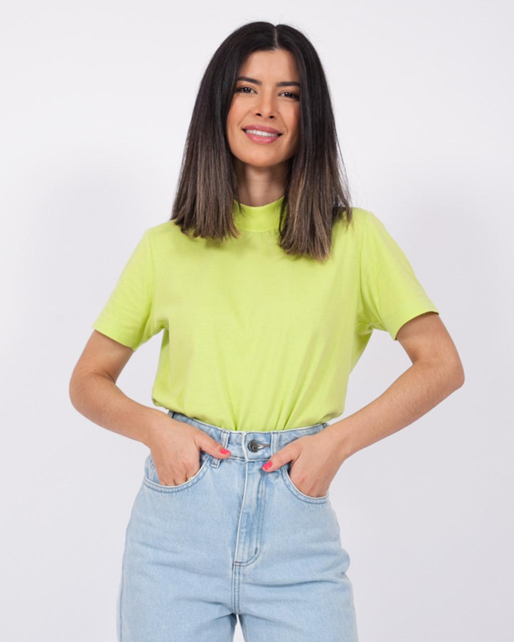 T-Shirt Básica Gola Retilínea Verde