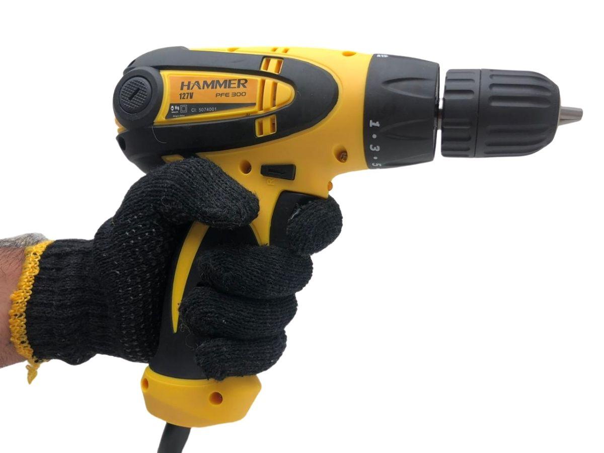 """Furadeira Parafusadeira Elétrica 300w Hammer PFE-300 C/ Fio Mandril 3/8"""""""