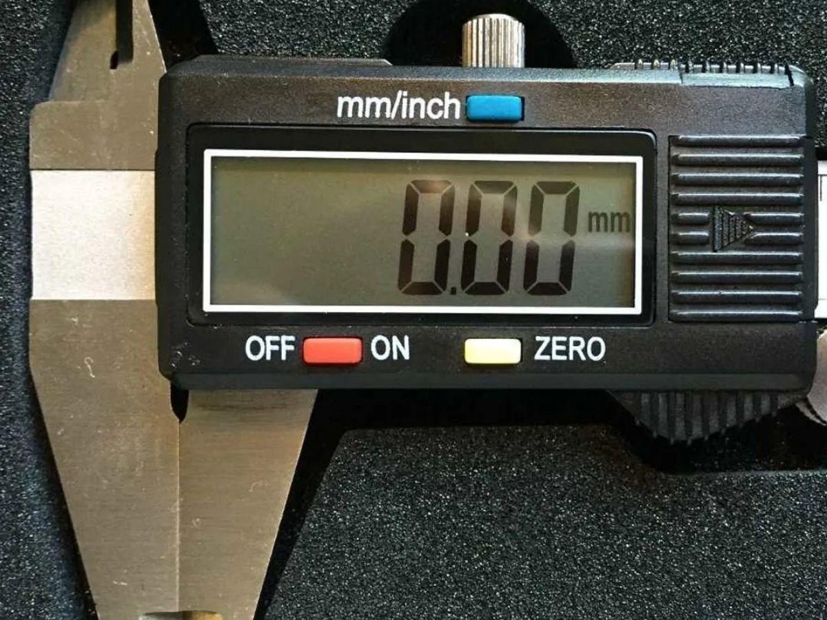 Kit Morsa Torno Base Giratória 6 Pol 150mm + Paquimetro Digital 150MM MTX em Aço
