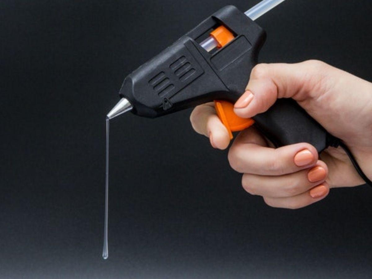 Pistola De Cola Quente 10w Alfasonic Y-x01 Bivolt Com 2 Bastões De Cola
