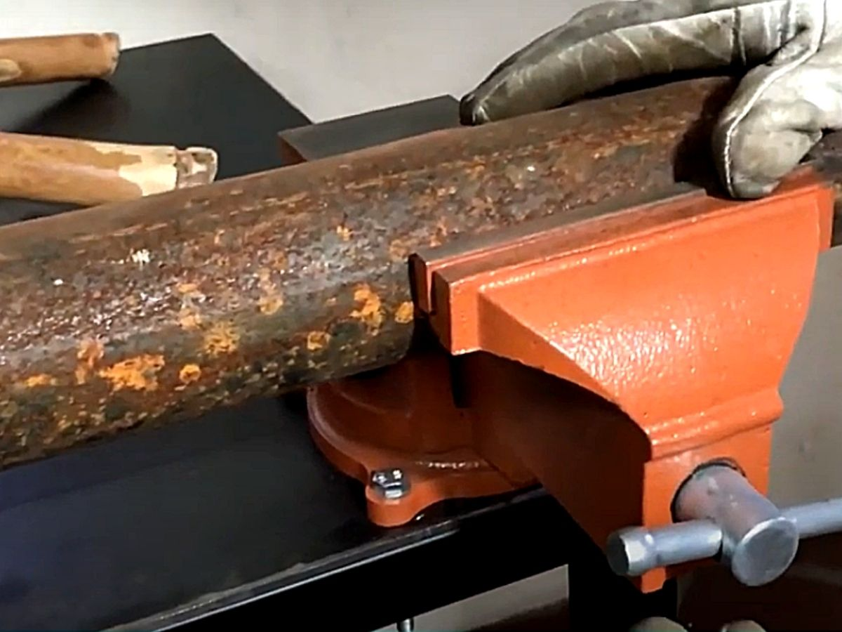 Torno Morsa De Bancada N5 125mm Sparta 1862555 C/ Base Giratória E Bigorna