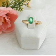 Anel Solitário Pedra Oval Verde Esmeralda