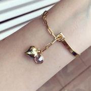 Bracelete Com Pendulo De Coração e Ponto De Luz