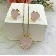 Conjunto Coração Com Pedra Rosa Leitoso