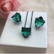Conjunto Coração Pequeno Com Pedra Verde Esmeralda Incandescente