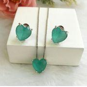 Conjunto Coração Pequeno Com Pedra Verde Turmalina