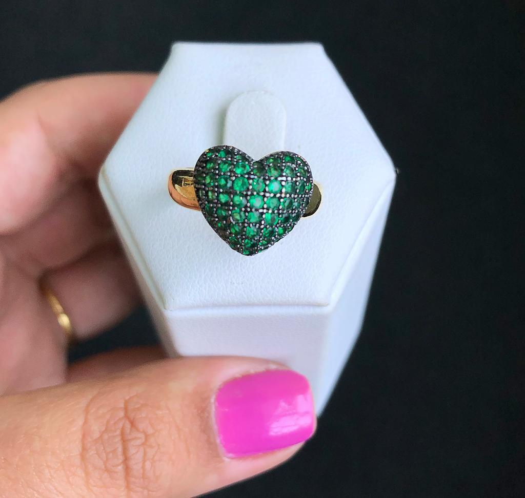 Anel Coração Almofadado Pedra Verde Esmeralda