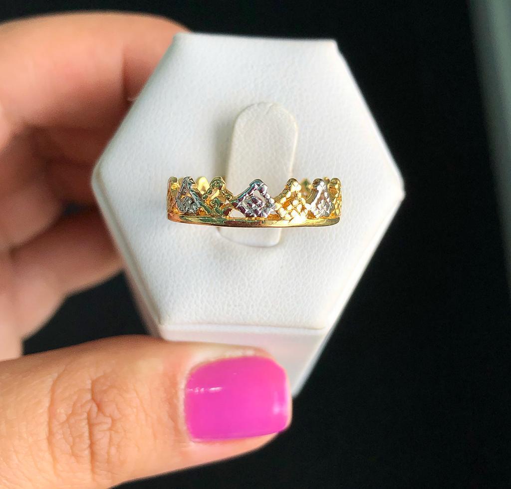 Anel Coroa Com Detalhe Em Ródio Branco
