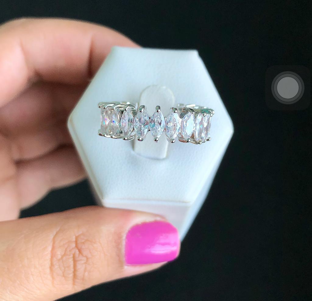 Anel Pedras Navete Cristal e Verde Esmeralda