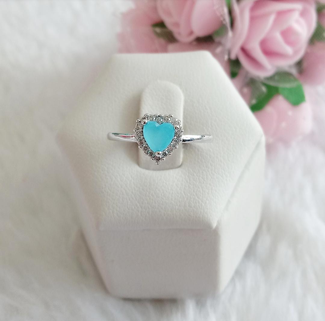 Anel Coração Pedra Azul Leitoso E Micro Zircônias