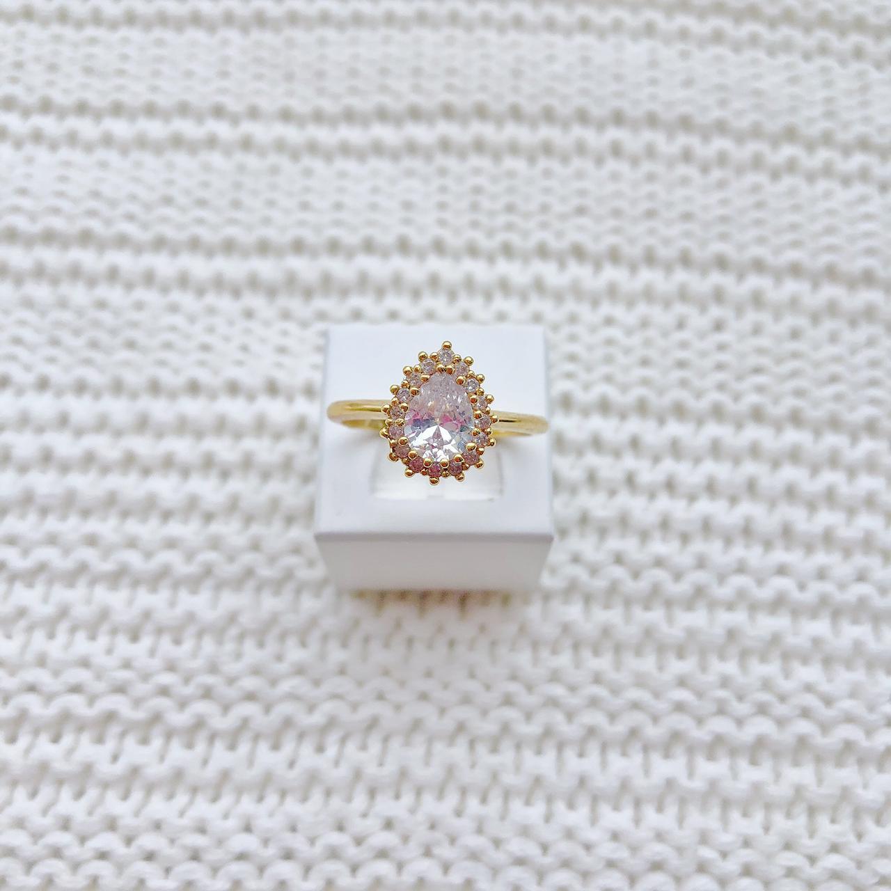 Anel Solitário Gota Pedra Cristal