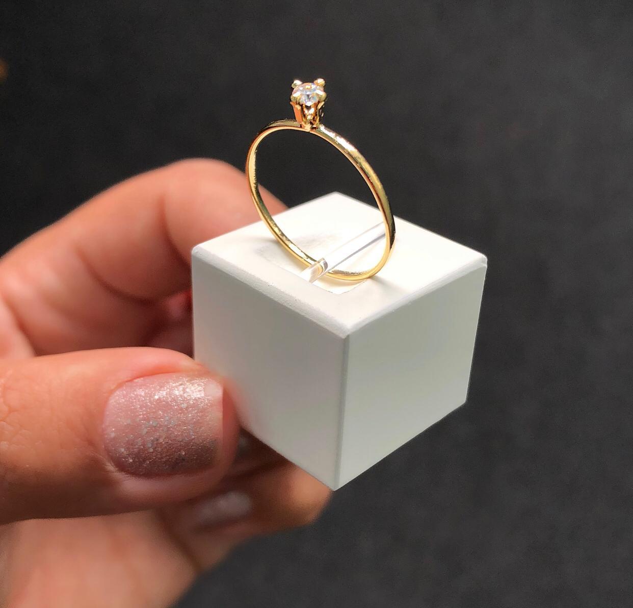Anel Solitário Mini Pedra Cristal
