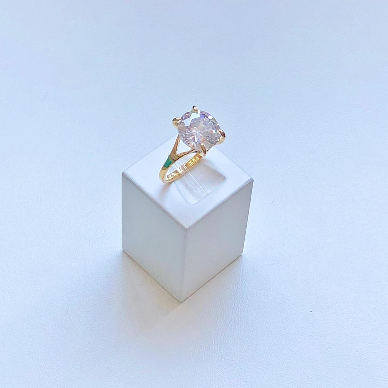 Anel Solitário Pedra Cristal Grande
