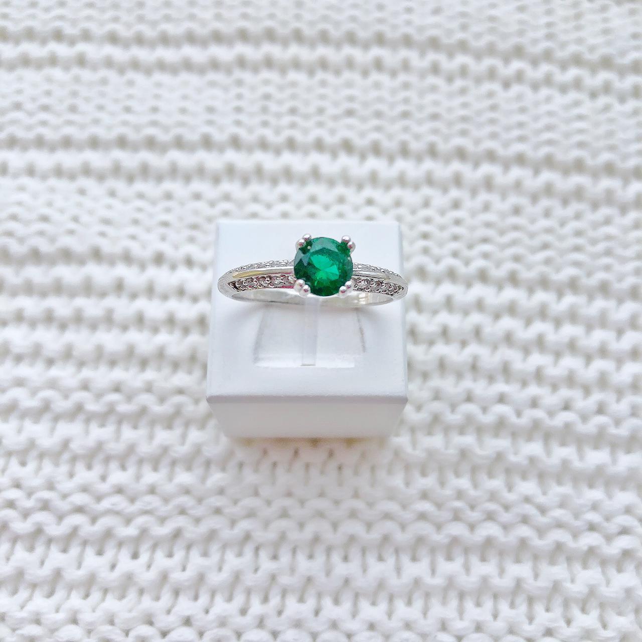 Anel Solitário Pedra Verde Esmeralda