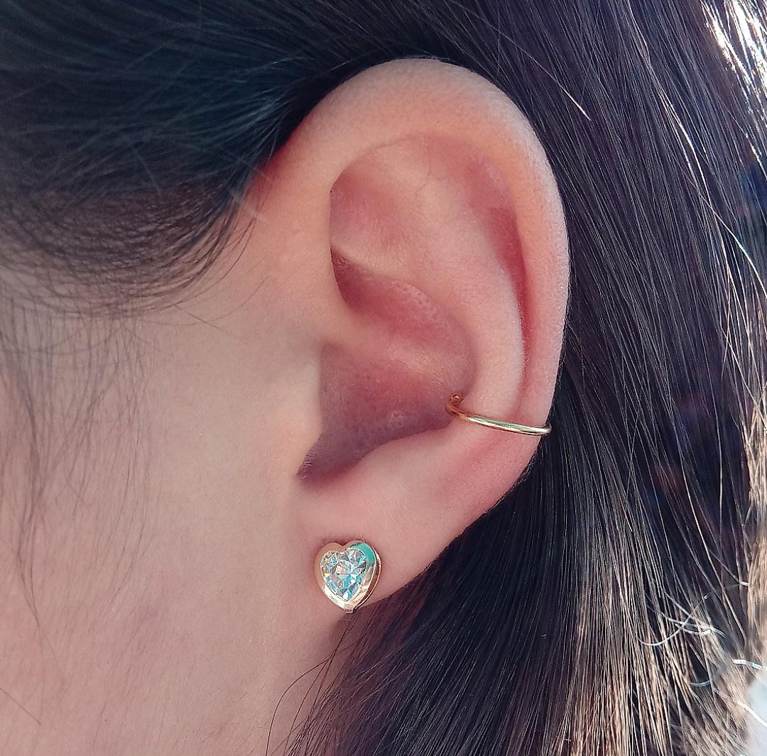 Brinco Coração Médio Com Pedra Cristal E Base Lisa