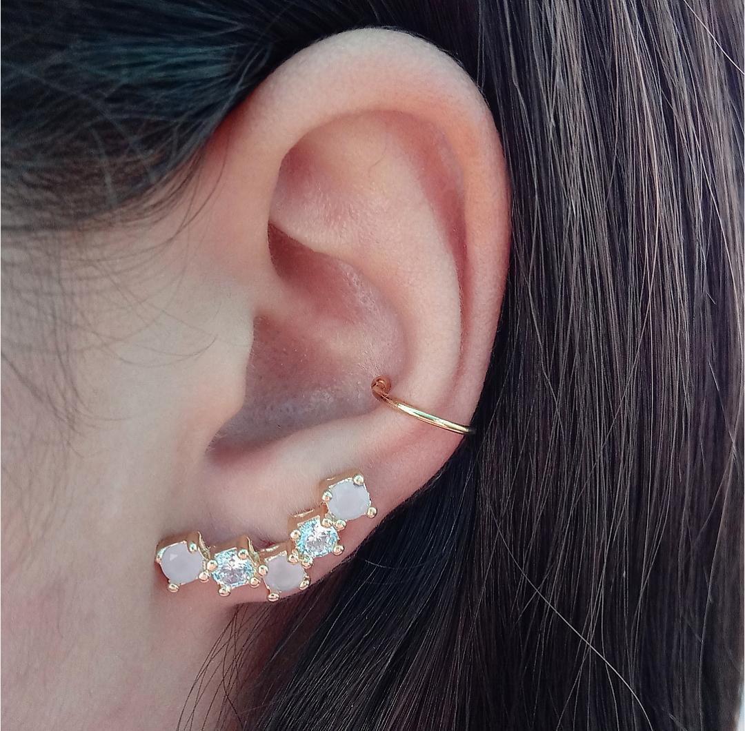Brinco Ear Cuff Com Pedras Cristais e Rosa Leitoso